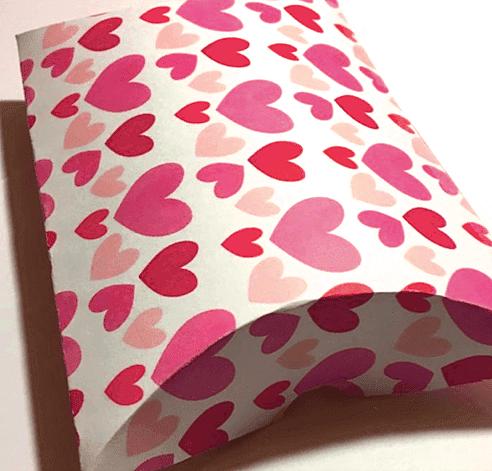 Pretty Valentine Printables: Free Pillow Box Hearts