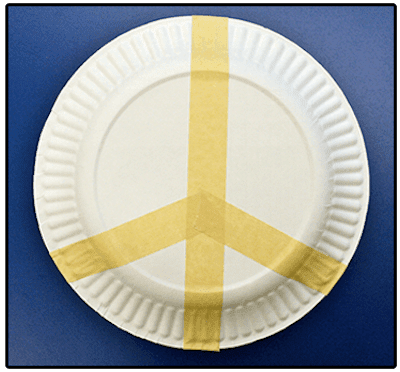 Peace Plates. Remembrance Day art project for Kindergarten to Grade 3 students. Easy to do! #gradeonederful #remembranceday #remembrancedaycraft #peaceplates #remembrancedayart